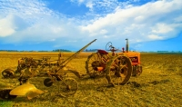 Tractor;Antique;Old;Farm-Equipment;rural;Tipton-County;red;rust;Indiana;Midwest;farming;plow