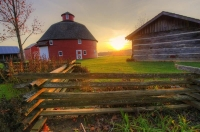 Sunset;barn;round-barn;Midwest;rural;fence;green;red;gold;Indiana;Howard-County;farm