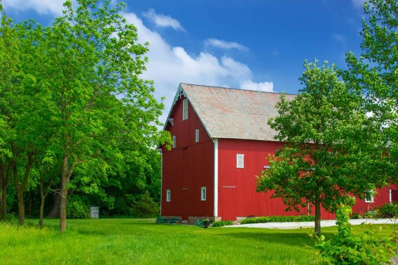 Barn;Red;Green;Indiana;Midwest;Tipon County;rural;farm